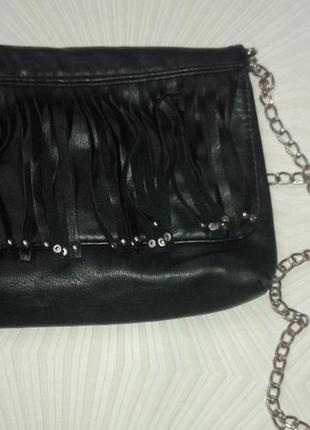 Маленькая сумочка h&m на цепочке.