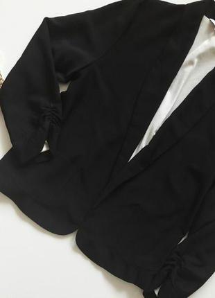 Черный стильный класический жакет