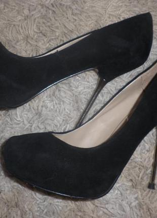 Шикарні замшеві туфлі від zara