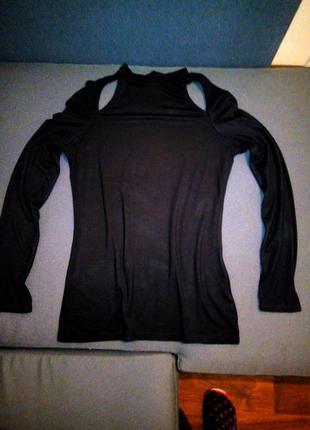 Гольфик черный с вырезами на плечах бренд river island еластичный бренд