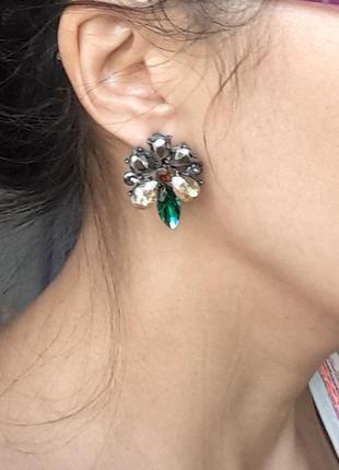 Ассимметричные серьги серёжки зелёные гвоздики zara