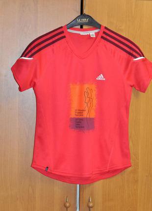 Яркая дышащая спортивная футболка adidas s/xs
