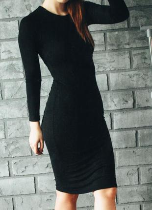 Чёрное обтягивающее платье миди mango размер s m