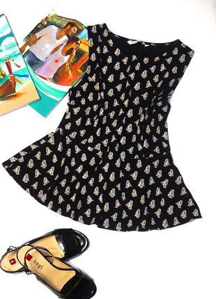 Летняя и нарядная блуза с баской и принтом от new look