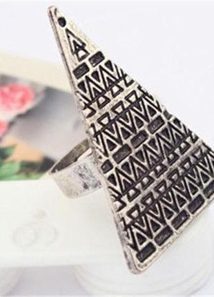 Стильное металлическое кольцо - треугольник