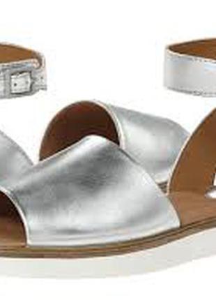 Clarks ,оригинал!новые кожаные босоножки размер 37, 37. 5, 38, 38. 5, 39, 41
