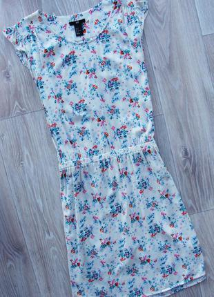 Милое летнее платье сарафан с цветочным принтом на резинке h&m