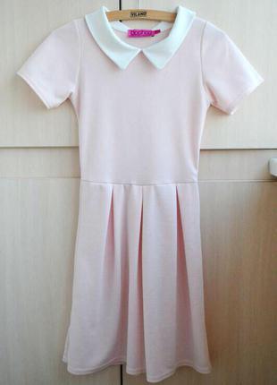 Нежное платье с воротничком