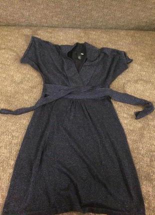 Трендовое мерцающее платье.