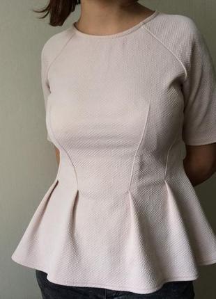 Блуза с баской пудренного цвета с перфорациями river ireland