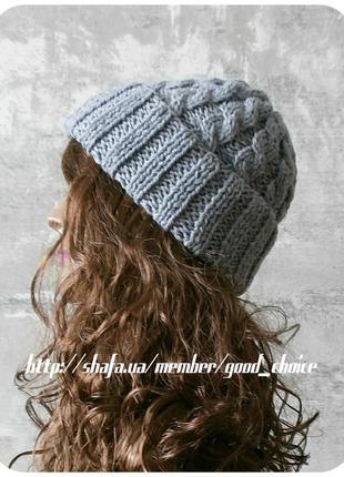 Хлопковая шапка с отворотом/с косами светло-серого цвета