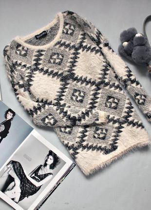 Cтильный свитер - травка в орнамент