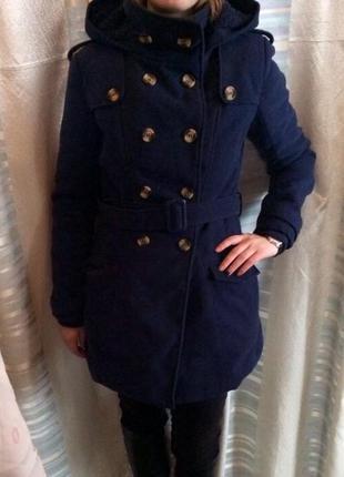Тёплое темно синее пальто terranova