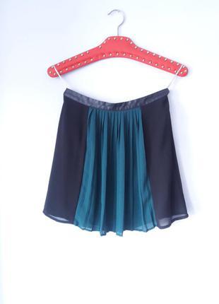 Шифоновая черная юбка с подкладом плиссе поиссерованная на молнии зеленая размер s xs