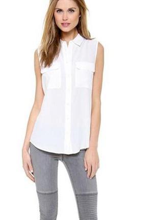 Блуза бежевая без рукавов с накладными карманами