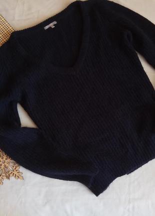 Очень стильный и теплый свитерок