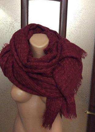 Бордовый шарф - палантин