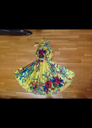 Яркое разноцветное платье в японском стиле