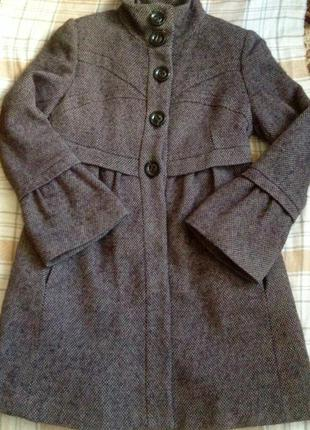 Тёплое шерстяное пальто mango