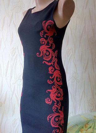 Стильное платье,декорированное бисером miss selfridge.