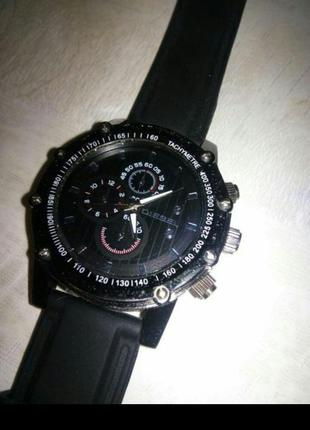 Стильные часы унисекс