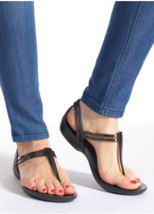 Босоножки crocs isabella t-strap sandal w7,w8,w9 оригинал