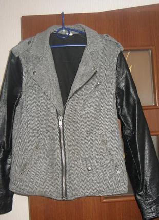 Красивая модная курточка