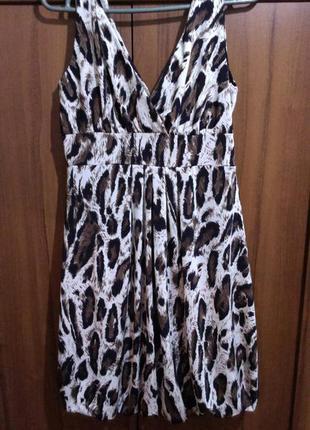 Платье короткое с леопардовым принтом