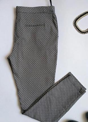 Очень классные штанишки 48 размера