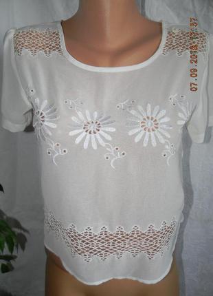 Беленькая ажурная блуза