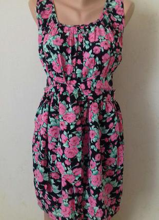 Красивое вискозное платье с принтом цветы