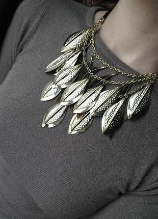Ожерелье с перьями от h&m