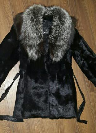 Натуральная шуба из горного козлика воротник - чернобурка