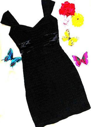Черное платье по фигуре xs-s