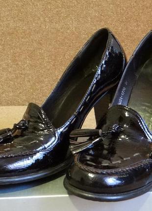 Лакированные лоферы на каблуке, 37