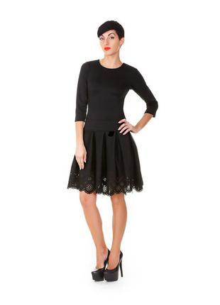 Платье черное с перфорацией размер s / 42