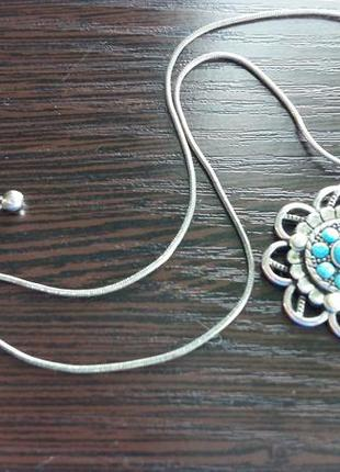 Нежное бирюзовое ожерелье