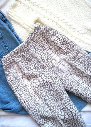 Эксклюзивные брюки из крепдешина имитация кожи whistles