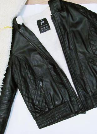 Кожаная куртка с мехом и капюшоном