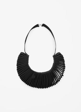 Ожерелье cos чёрное из тканевой ленты