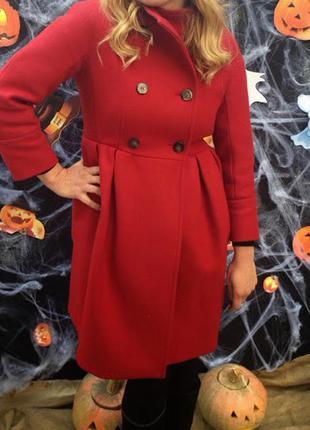 Пальто из шерсти ярко красного цвета max&co