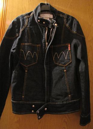 Качественная джинсовая итальянская куртка.