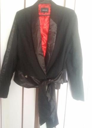 Крутой черный пиджак