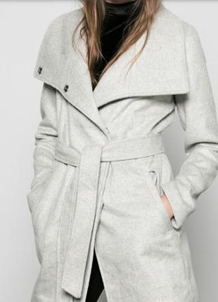 Классическое пальто oversize bershka. торг уместен