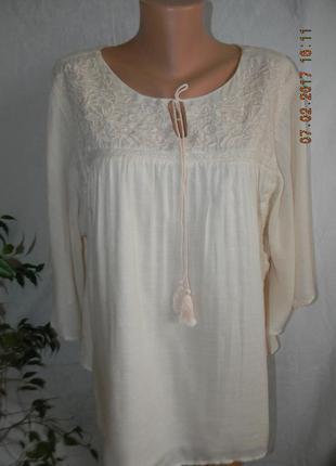 Нежная вискозная кремовая блуза с вышивкой большого размера1