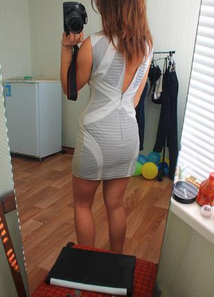 Шикарное платье. бандаж имитация.  limited m&s. размер 8-10. сток.