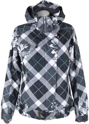 Спортивная куртка из водонепроницаемой ткани