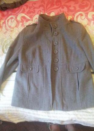 Продам кашемировое серое короткое пальто фирмы dorothy perkins