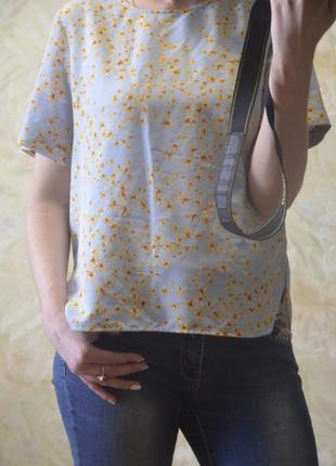 Красивая блузка футболка от zara нежного голубого цвета
