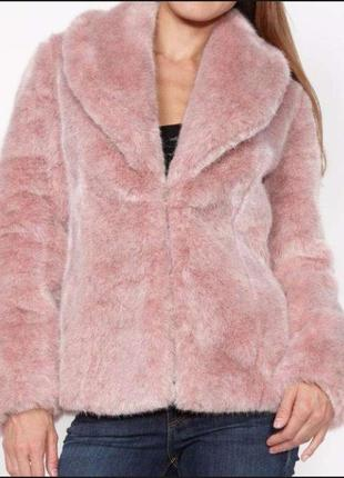 Шуба, полушубок, меховая куртка guess розовая